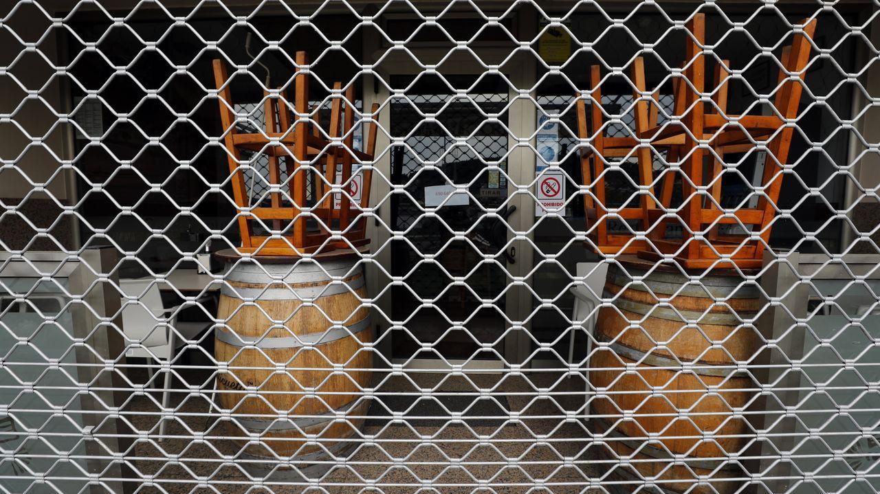 Aceite de camarón elaborado en el restauranteO Fragón de Fisterra.Controles de la Policía Local y la Policía Autonómica en la plaza de San Antonio de Ourense