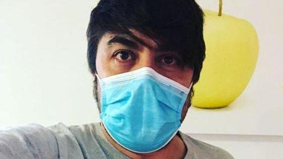 Miedo e indignación entre los sanitarios que han usado las mascarillas defectuosas.Belén López es voluntaria en la asamblea comarcal de Cruz Roja en Valdeorras