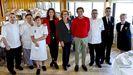 Víctor Manuel, Dolores, Joaquina , Susana, Sara, Moncho, Alejandro David y Pilar, el equipo veterano del restaurante Rocamar.