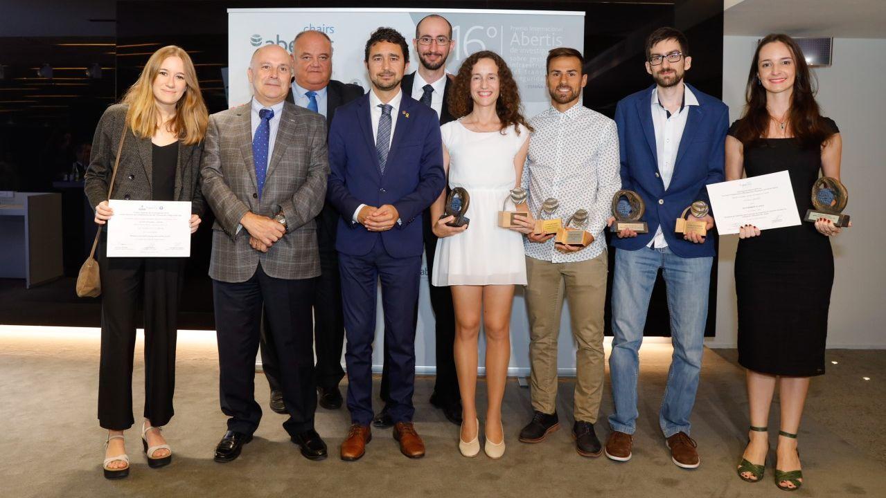 Premio Abertis para Margarita Martínez, profesora de la UDC. Es la cuarta por la derecha.