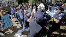 Trabajadores de Ence intentan reventar el pregón de las fiestas de Pontevedra