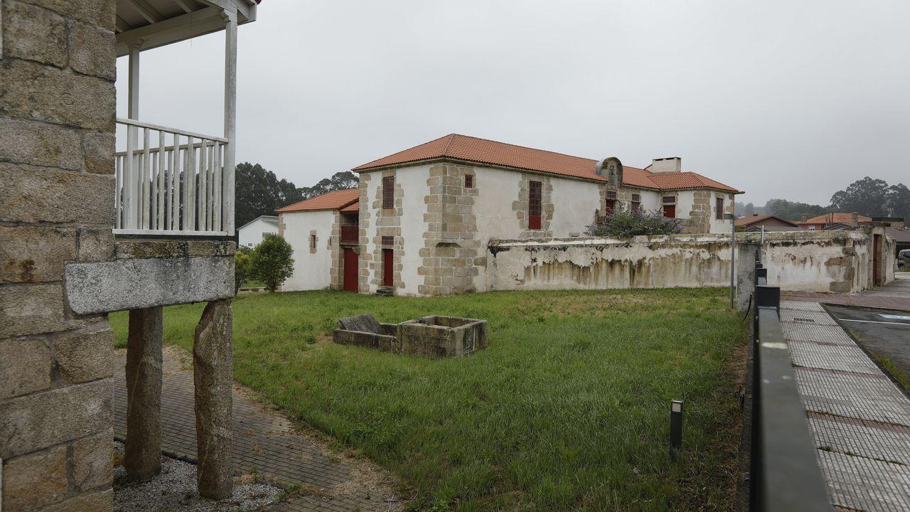 La ampliación de la pista obligó a cambiar de ubicación un pazo y tres casas grandes, un conjunto declarado de protección, situadas en Culleredo. De las obras se hizo cargo Aena. Ángel manso