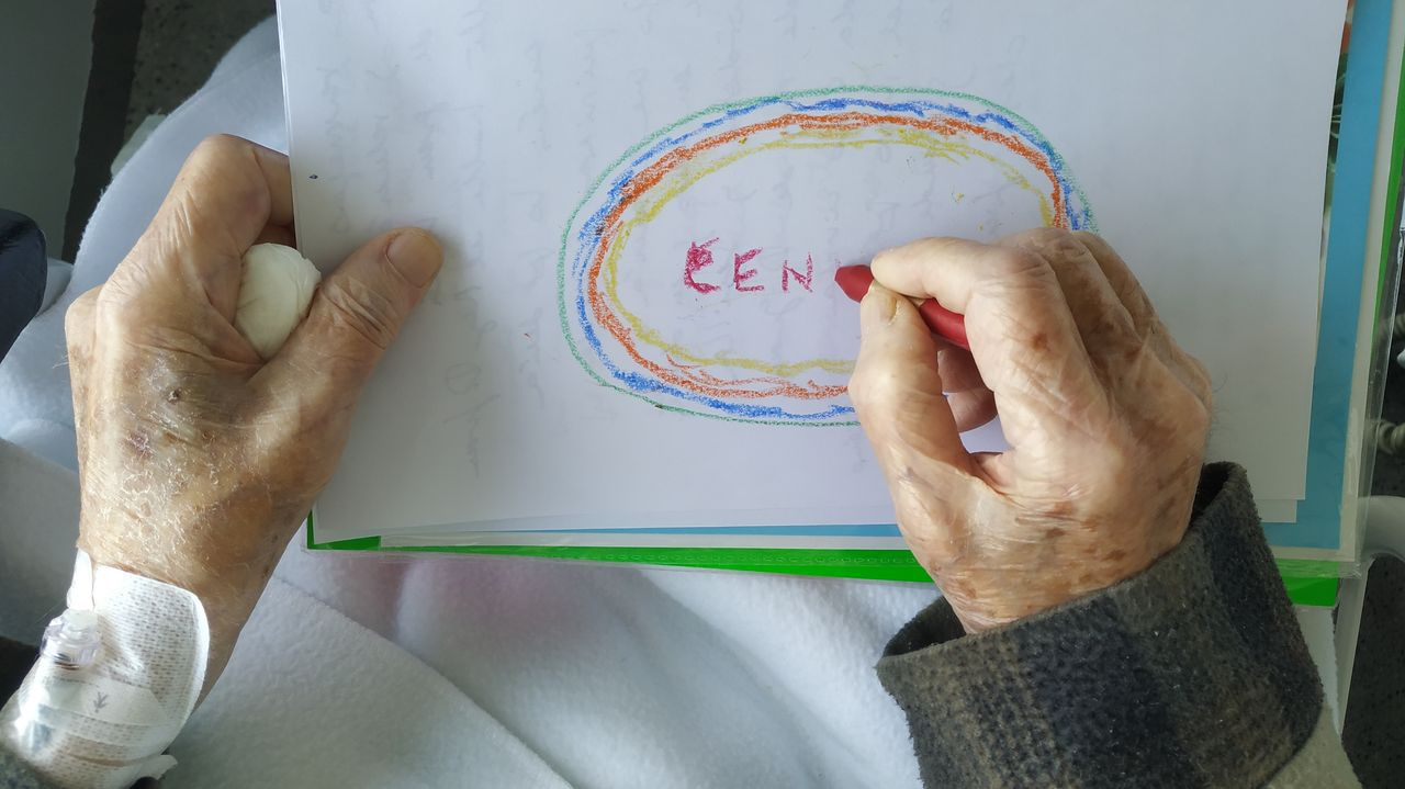 Taller Arte & Emociones en la unidad de cuidados paliativos del Hospital de Oza (Chuac) de A Coruña