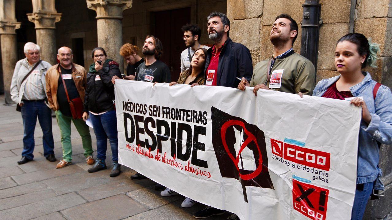 Las imágenes de la visita a Jim Sports, en Palas.El mensaje xenófobo del Frente Gijón Femenino
