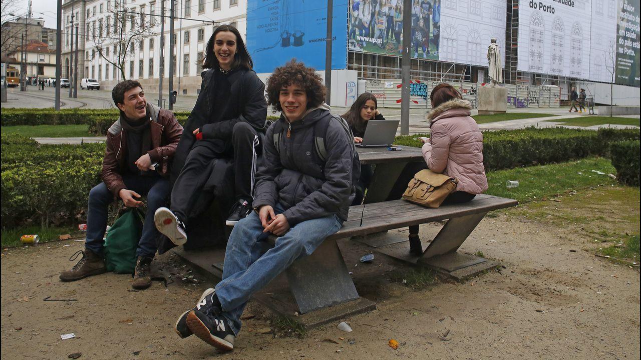 Los profesores luchan por que el gobierno descongele su carrera.Las ninfas del cuadro retirado en Manchester abren el debate sobre el papel de la mujer