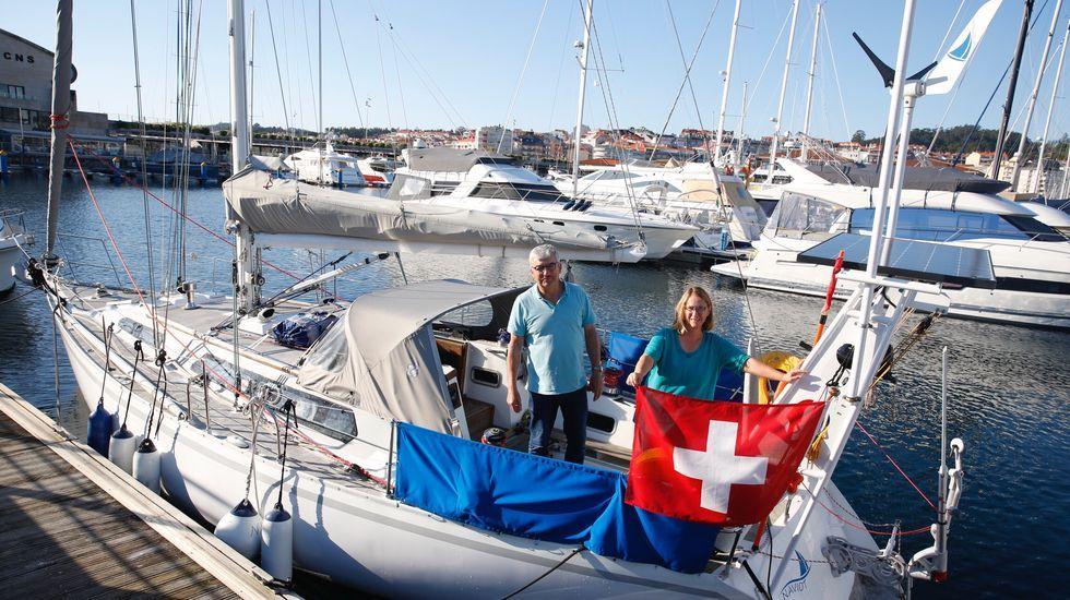 El puerto de Marín se suma al homenaje a la sanidad