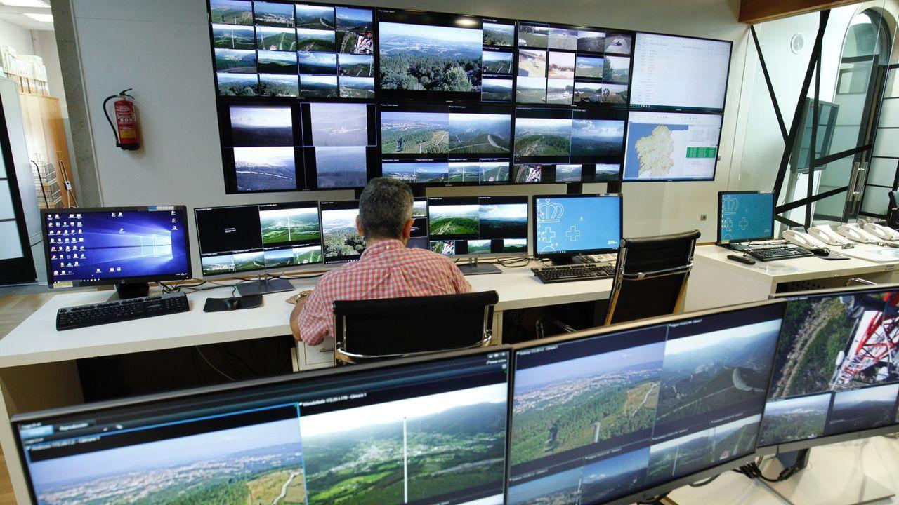 Sala de pantallas del Centro de Coordinación Central de Defensa contra los Incendios