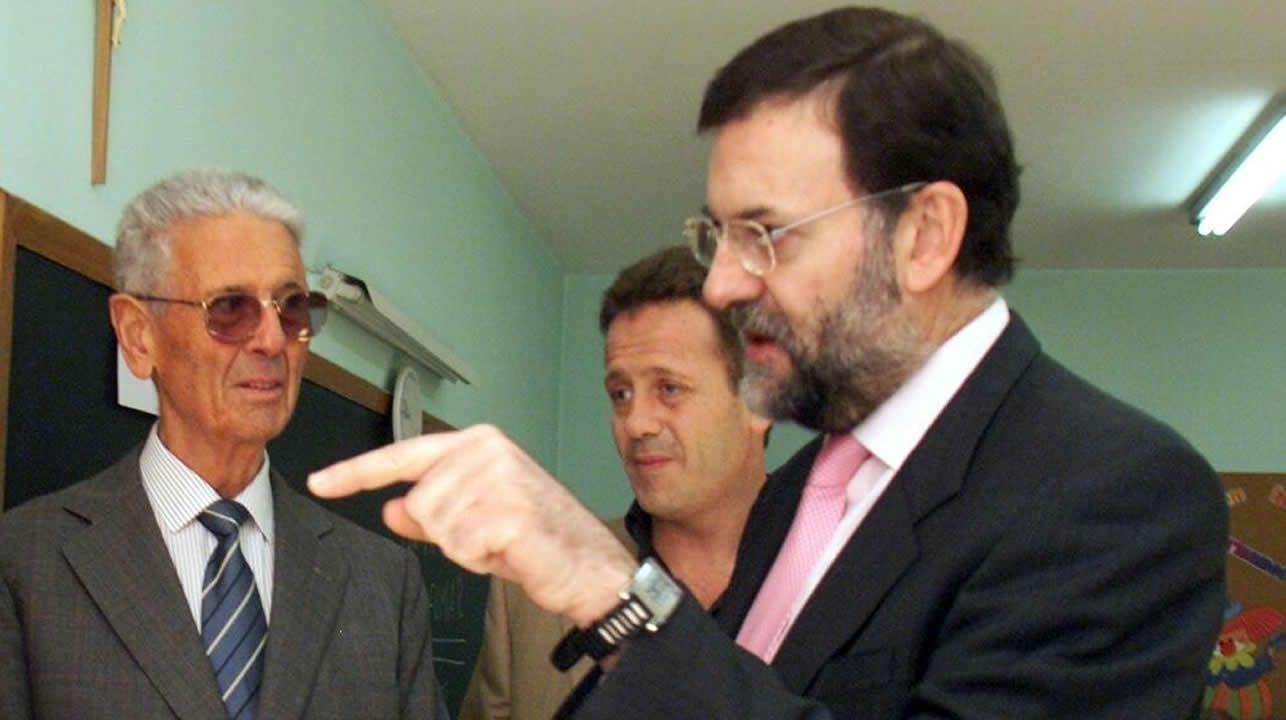 Muere a los 97 años Mariano Rajoy Sobredo, padre del expresidente del Gobierno.Cospedal, el pasado martes, en el Congreso