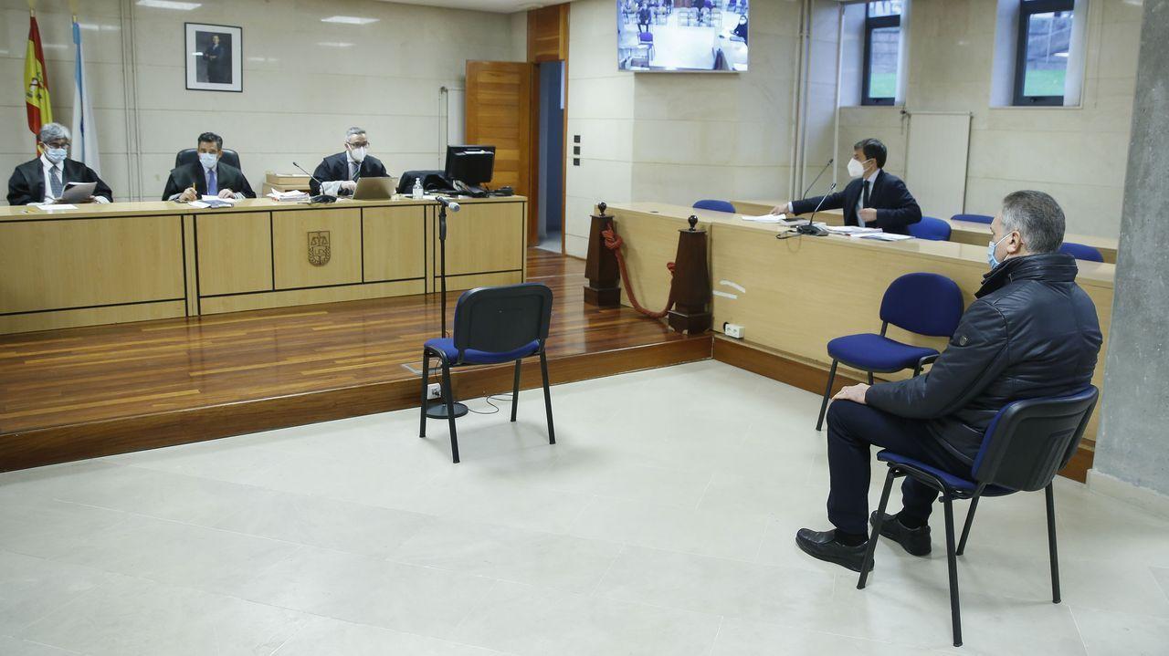 El exjefe de la Policía Local de Padrón, Francisco Javier Abeijón, durante el juicio en la sección compostelana de la Audiencia Provincial