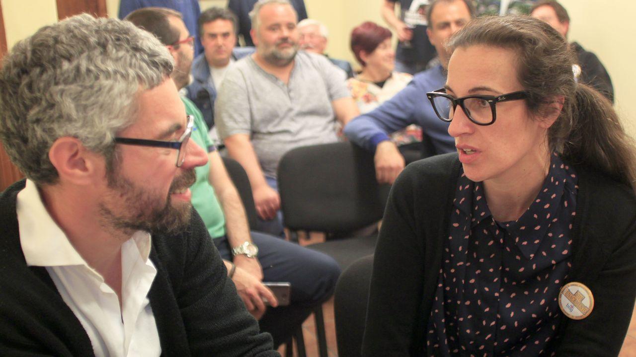 Imagen del embalse de Abegondo-Cecebre durante la sequía del 2017.Iván Rivas y María do Mar López, concejales electos, en la sede del BNG de Ferrol