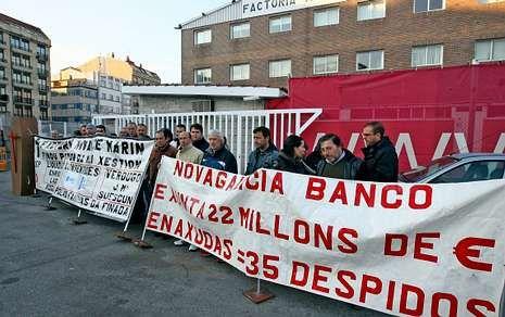 Los trabajadores con deudas pendientes mantendrán las protestas frente al astillero.