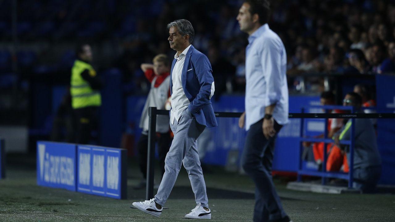 Las mejores imágenes del Dépor - Granada.Natxo González, durante el estreno del Deportivo en casa contra el Sporting