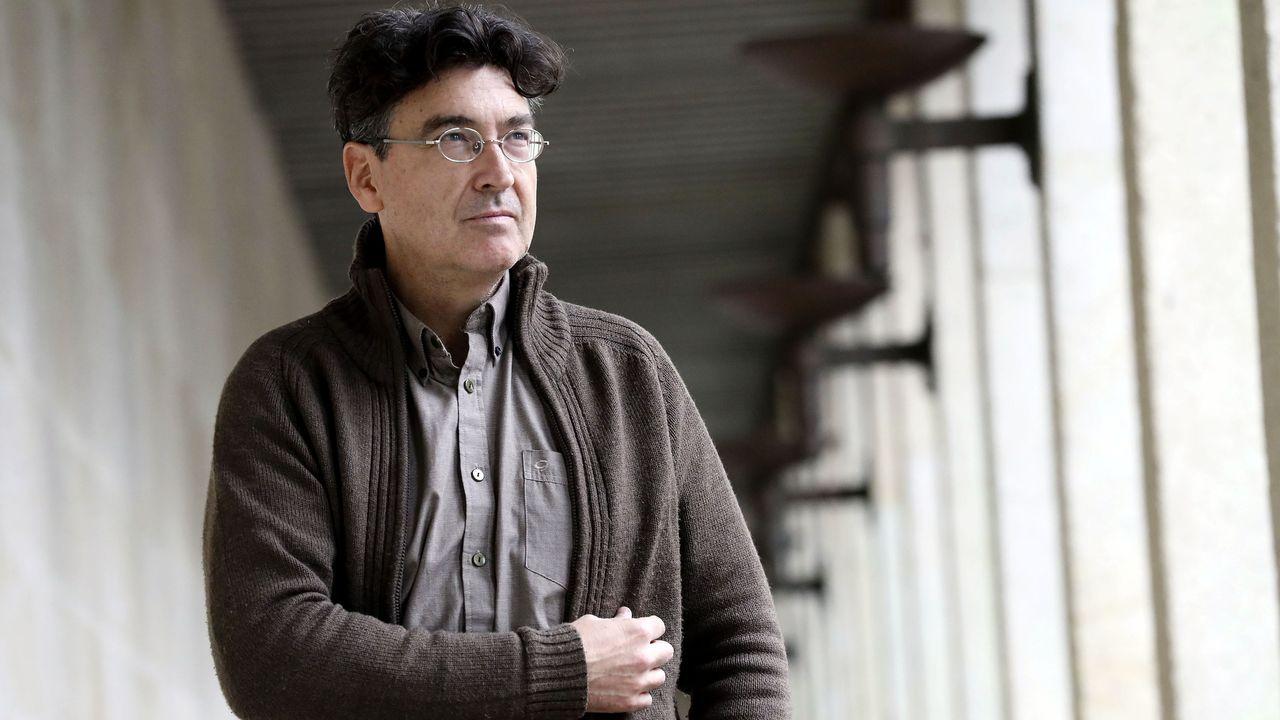 Xosé Manuel Villanueva explica que en el libro hay personajes que tienen un trasunto real
