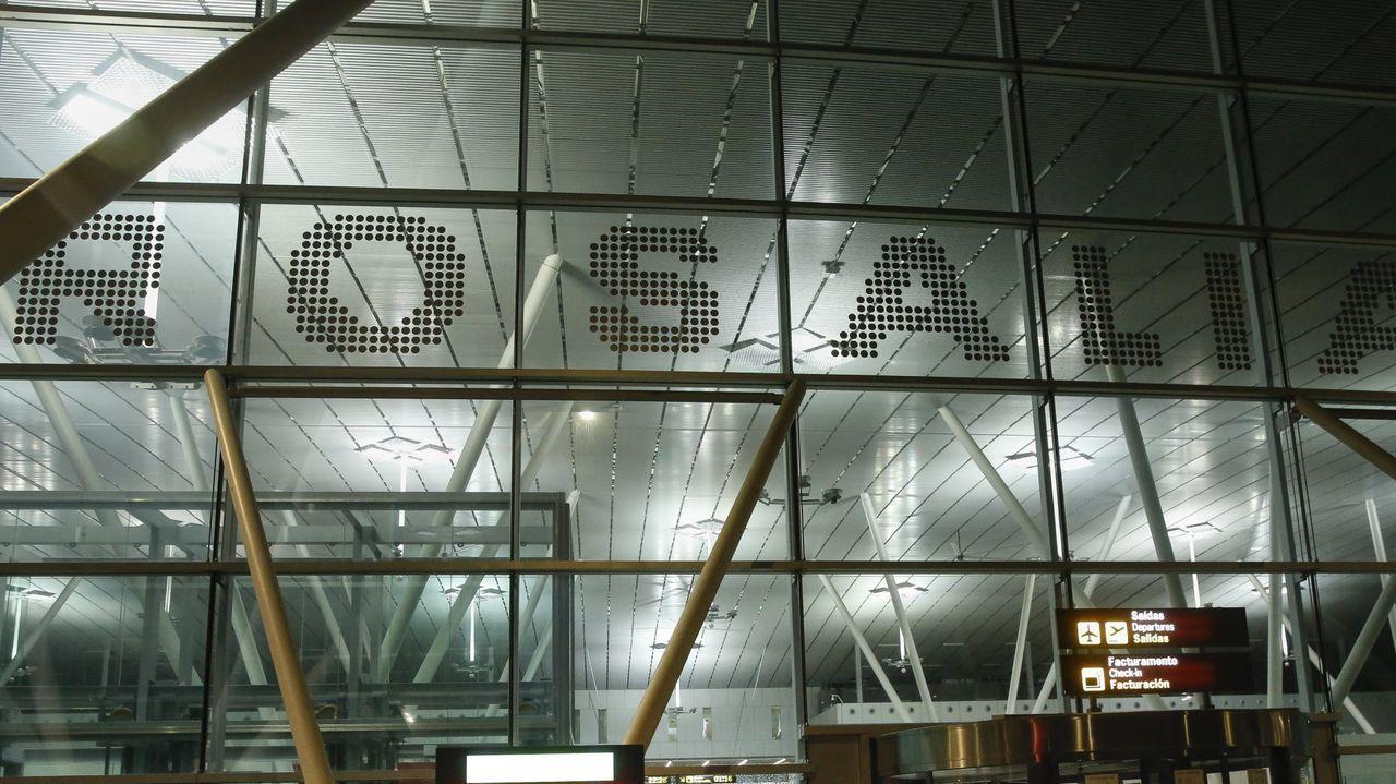 El aeropuerto Rosalía de Castro de Santiago