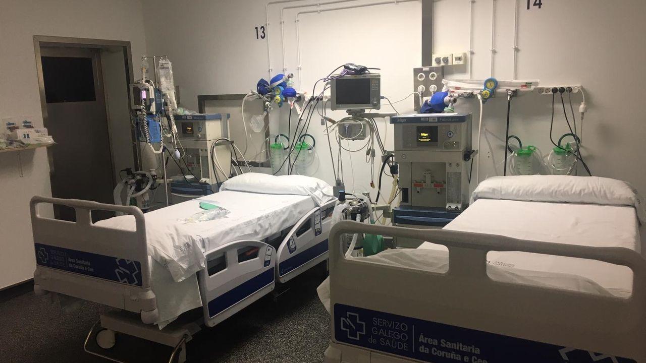 Hospitales como el Chuac han habilitado más camas de uci