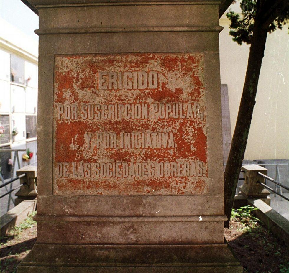 Un monolito en San Amaro recuerda a las víctimas.<span lang= es-es > </span>
