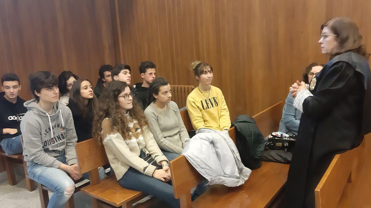 La jueza Pilar de Lara, en el pasado mes de noviembre, entrando en los juzgados de Lugo
