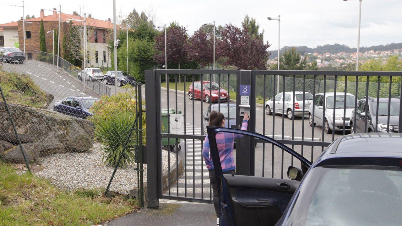 200 trabajadores gallegos zarpan en un barco con destino a Israel.El aeropuerto de Lavacolla, el principal en Galicia, prácticamente sin vuelos