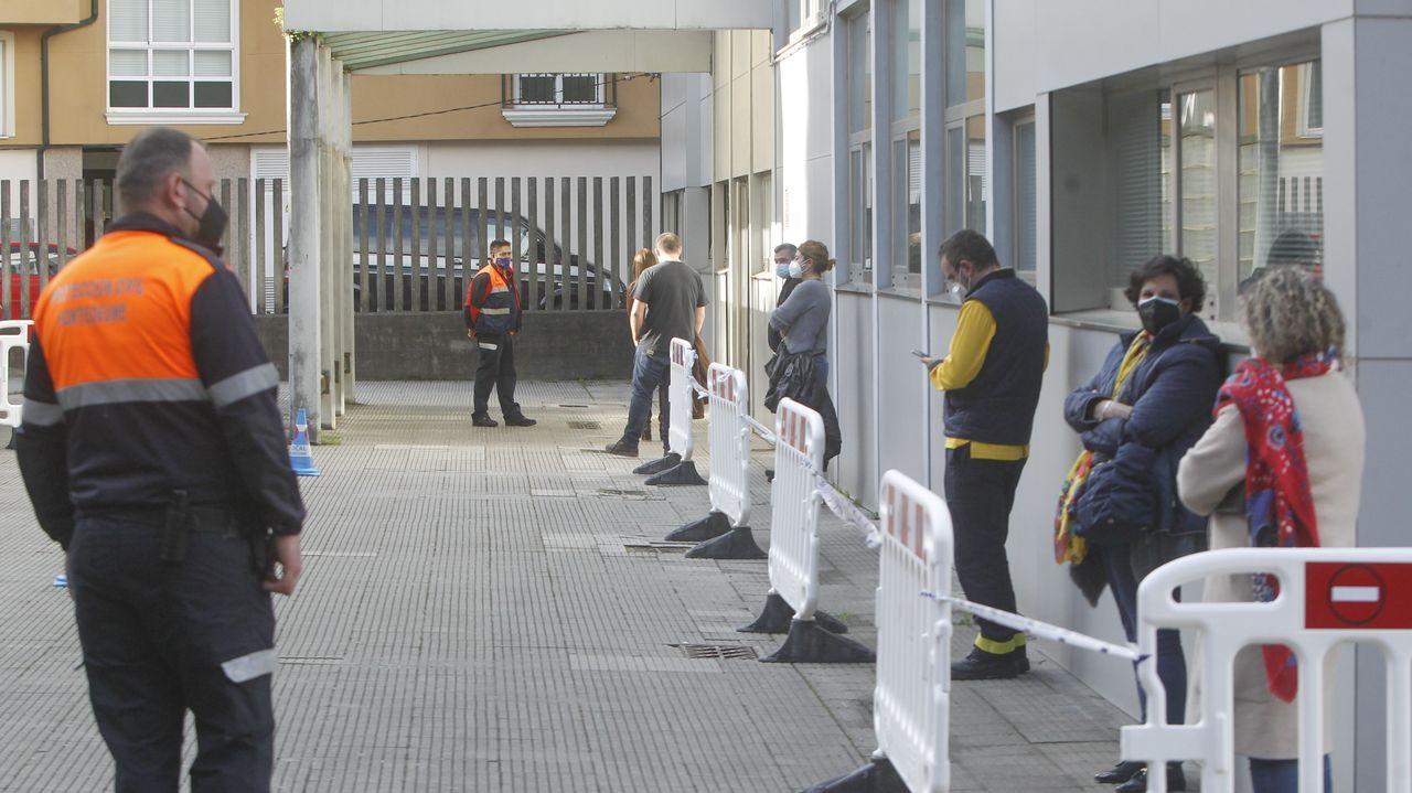 Ortigueira, Mugardos, Pontedeume y en breve, Fene. Cerca de 3.000 vecinos de la comarca se citaron esta semana para un test de antígenos. El rango de edad se determina en función de cada municipio.