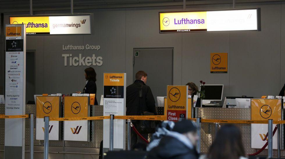 Mostradores de Lufthansa y Germanwings (su filial de bajo coste), en el aeropuerto de El Prat.