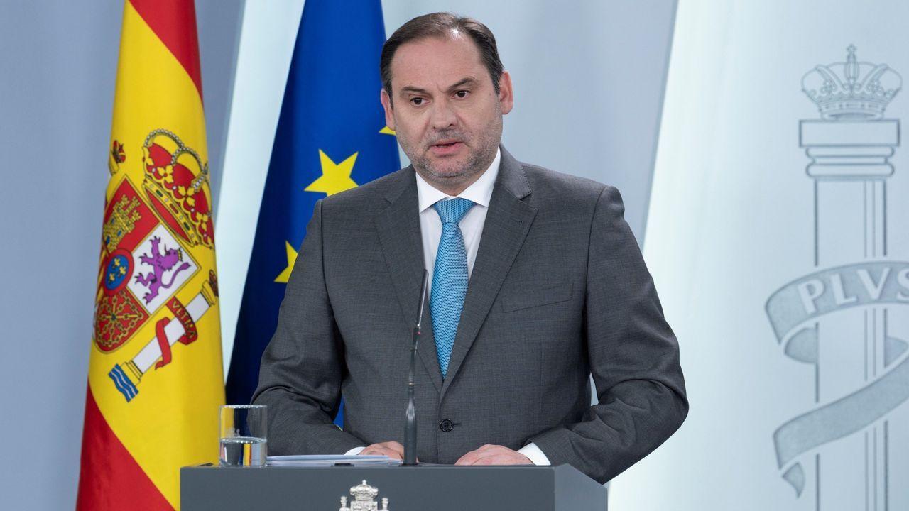 El ministro de Transportes, Movilidad y Agenda Urbana, José Luis Ábalos, durante una rueda de prensa en la Moncloa