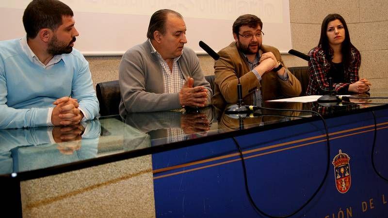 La empresa de José Manuel y Saleta apuesta por el ocio para que los niños aprendendan inglés.
