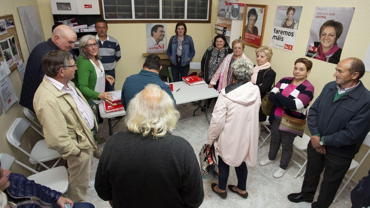 La victoria del PSOE en Guitiriz, en imágenes.Primera fiesta del barrio de A Tinería