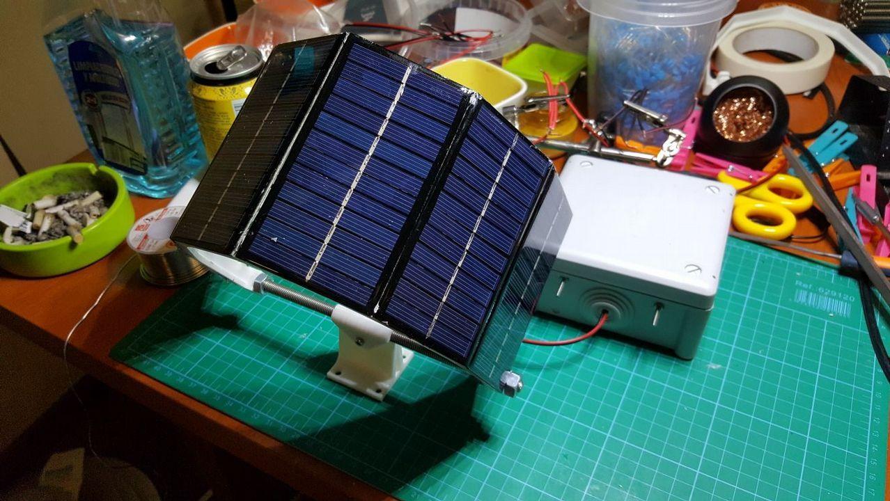 La fuente de alimentación autónoma para el sistema de arpa electrica.