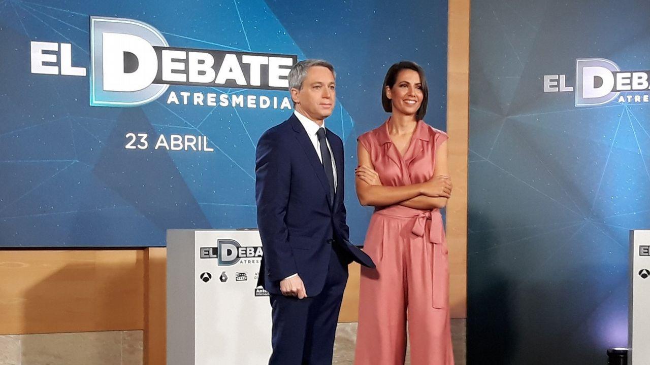 El último adiós a Rubalcaba, en imágenes.Los presentadores del debate de Atresmedia