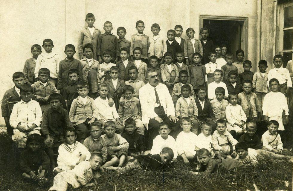Aula de Ricardo Símil Silva, no grupo escolar de Quintela en 1920.