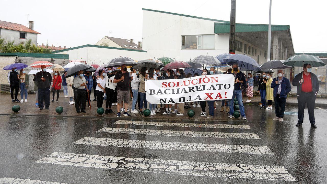 Protesta en el IES Illa de Arousa.Examen de las oposiciones de educación celebrado en Ourense en el 2019, la última vez que se realizaron estas pruebas en Galicia