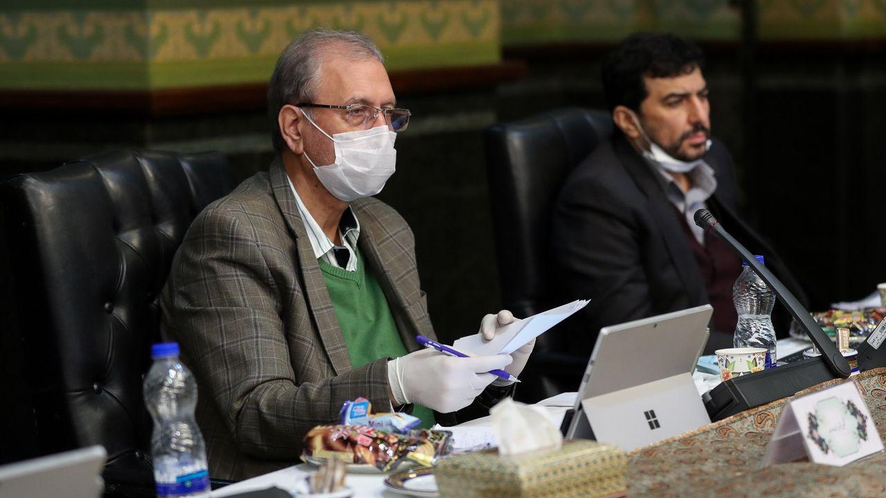 El portavoz del Gobierno iraní informa en una comparecencia con mascarilla