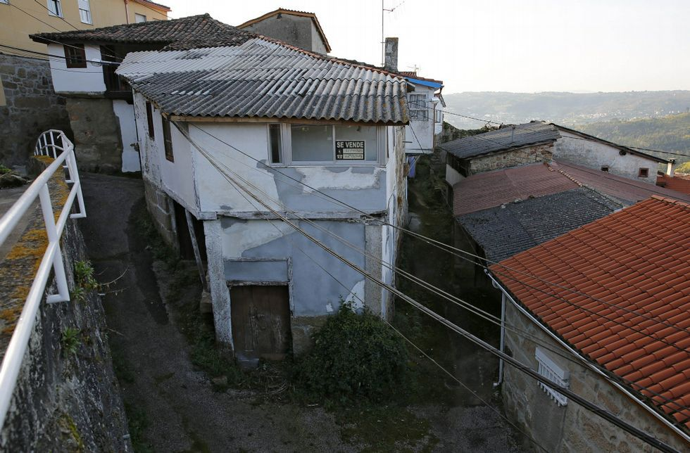 Buscan a un hombre desaparecido en Castro Caldelas