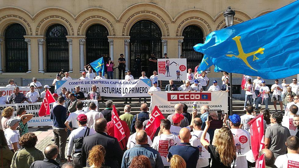 Los trabajadores de Capsa llevan sus protestas a las calles de Oviedo.Gaspar Llamazares