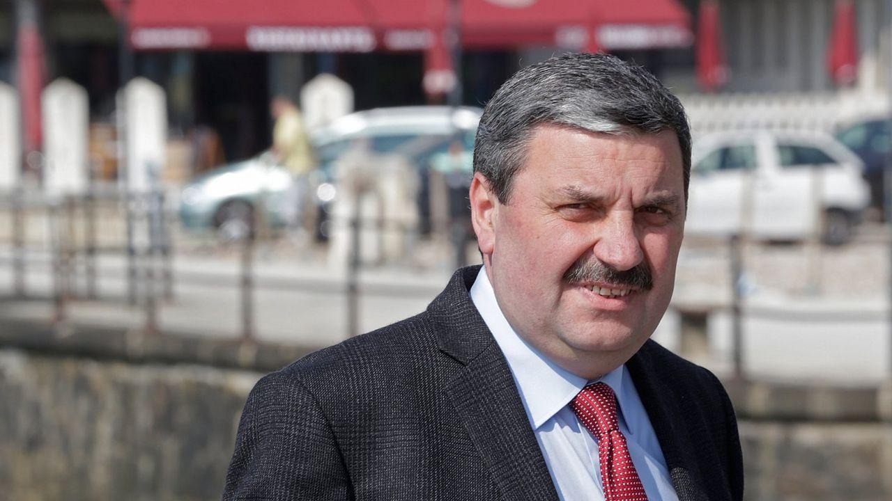 Junta de accionistas del Pontevedra.RAMON MEJUTO EX DIRECTOR DE LA FABRICA DE ARMAS DE LA CORUÑA
