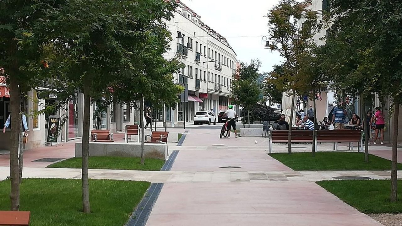 Los efectos de Dora en las carreteras lucenses.Imagen de archivo de la planta de PSA en Vigo