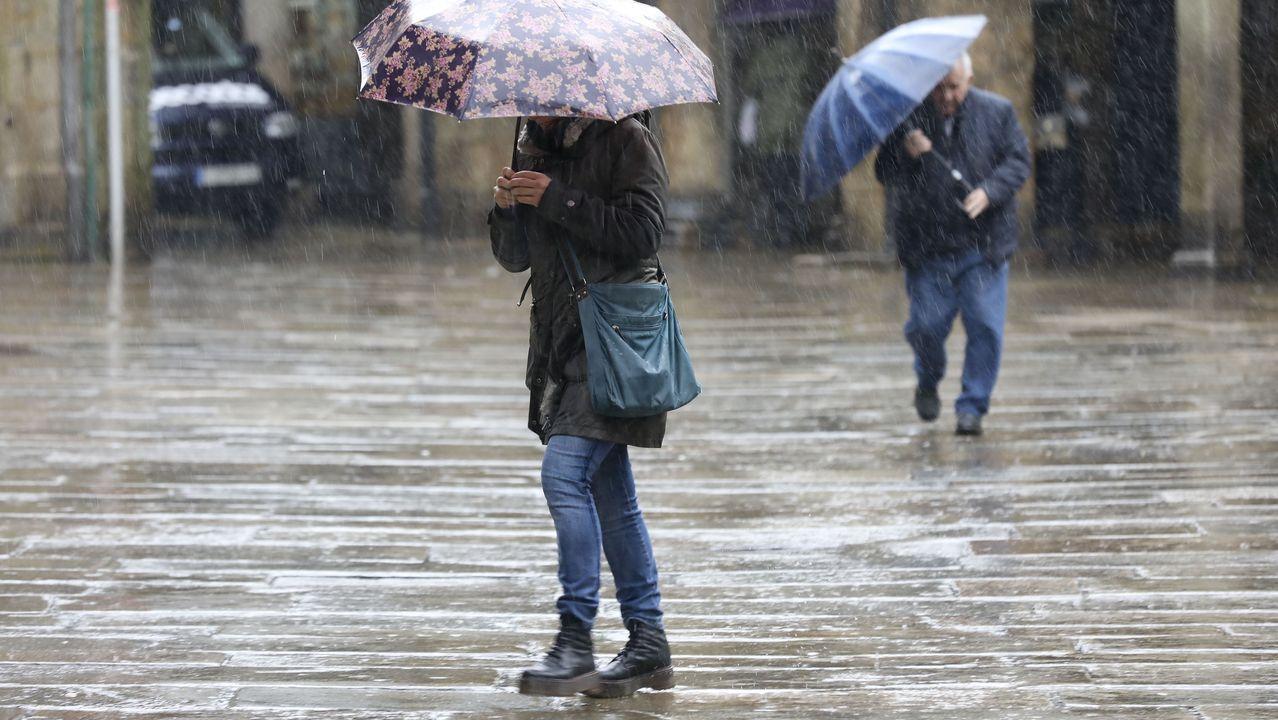 Pontevedra llora a Ravachol.Lluvia en las calles de Santiago