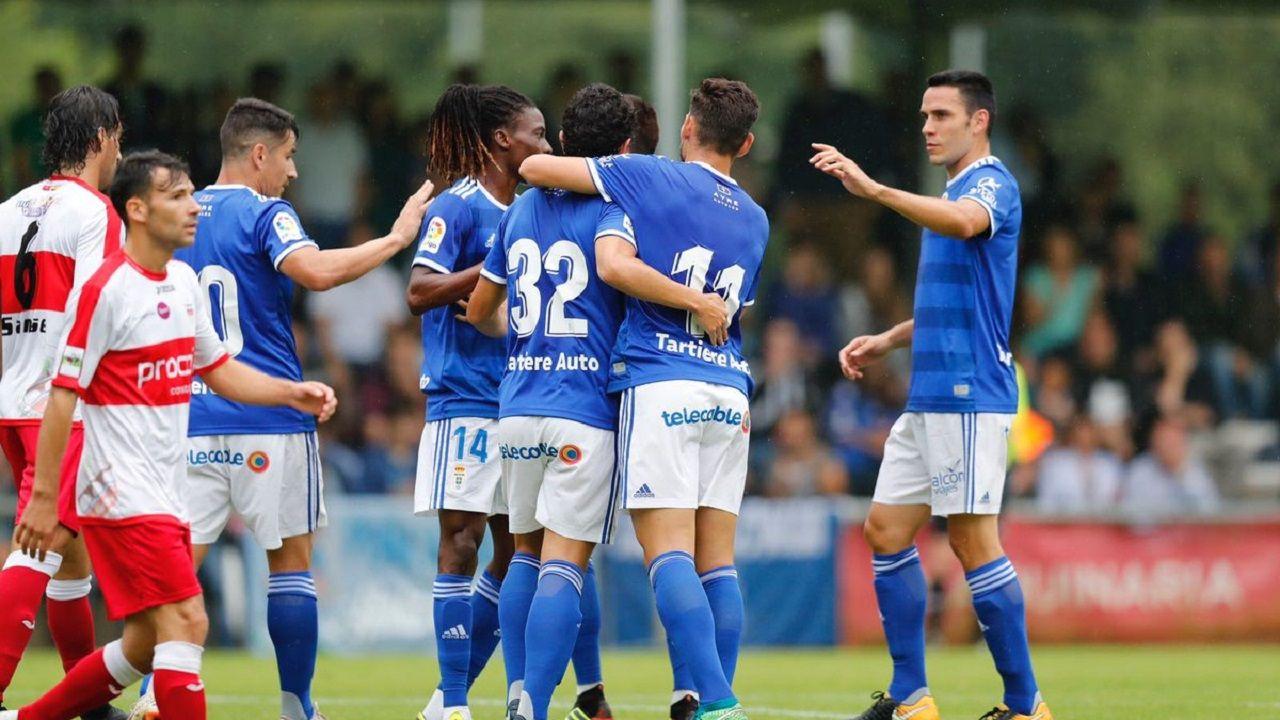 Anquela Requexon Real Oviedo.Los jugadores del Oviedo celebran uno de los tantos de Steven
