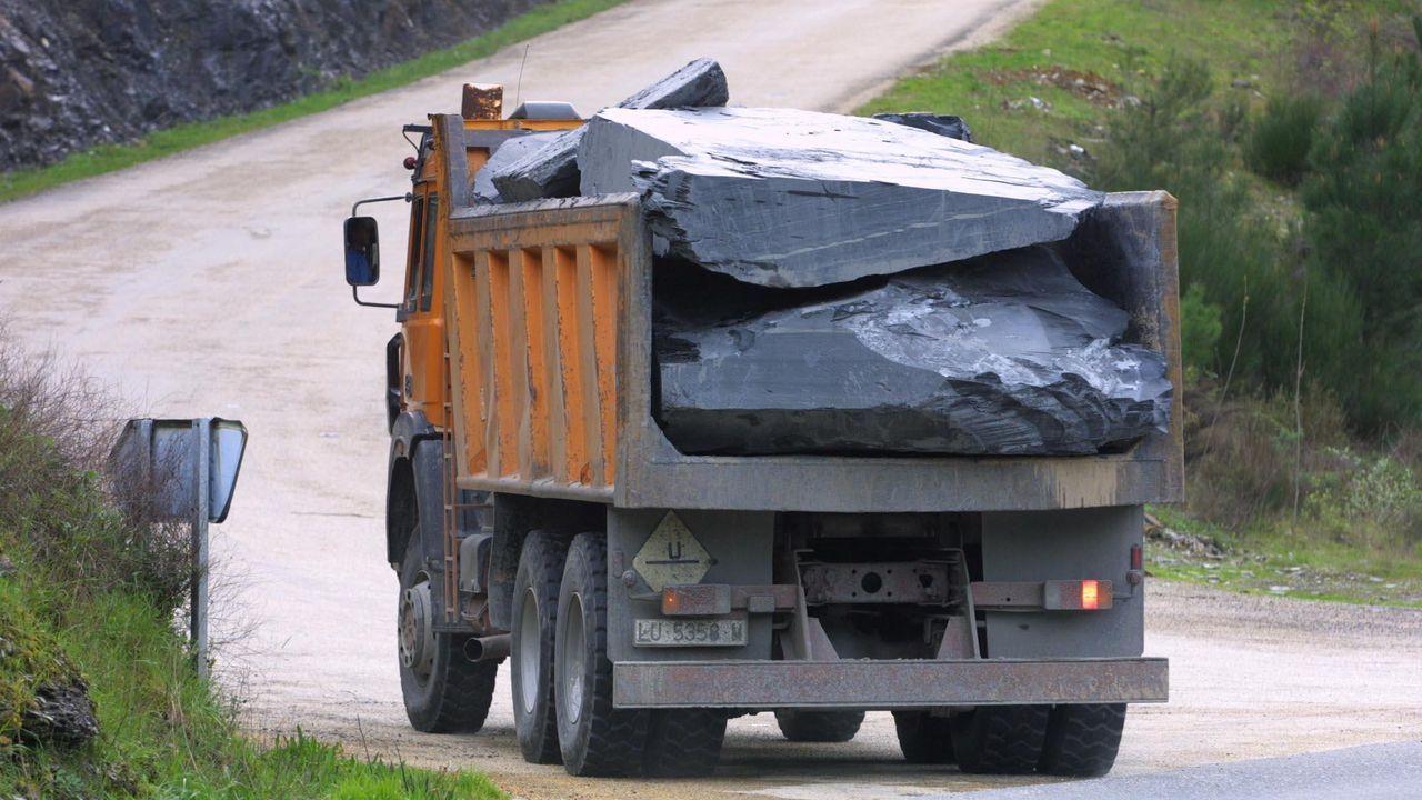 Cerca de un 60 % de la producción nacional de pizarra sale en camiones de la comarca de Valdeorras