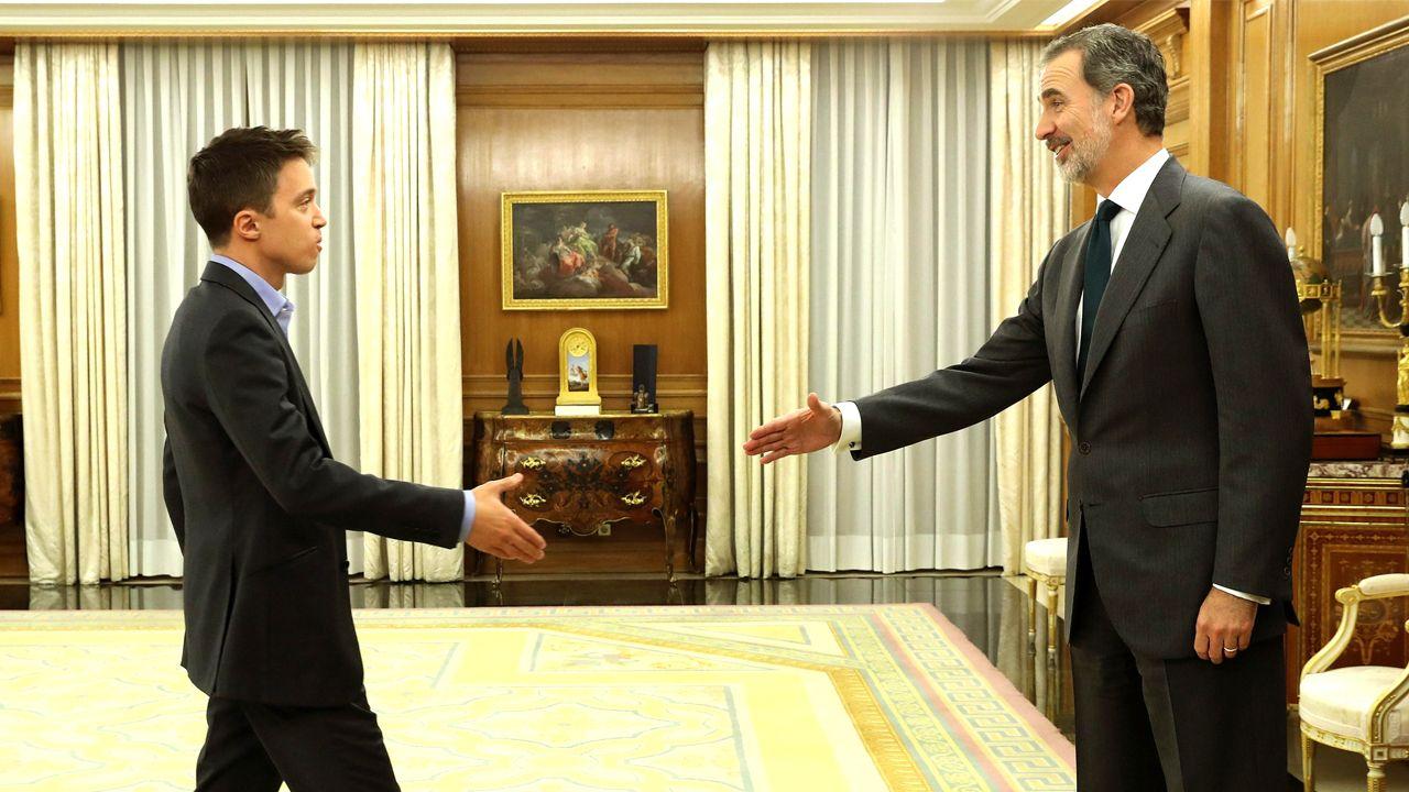 Sánchez comparece tras conocerse la decisión del rey de proponerlo como candidato.Felipe VI recibe a Íñigo Errejón, representante de Más País, en la última entrevista del día