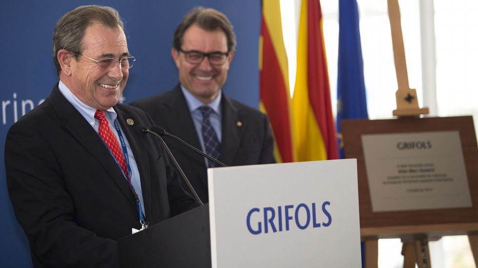 GRIFOLS. Víctor Grifols cumplirá este año 66 y tiene preparada su sucesión, prevista para el 2017. Su hijo, con 40, y su hermano quedarán al frente de la multinacional farmacéutica.