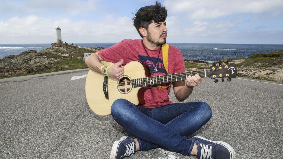 «Quero vivir da música, estea arriba ou abaixo do escenario»