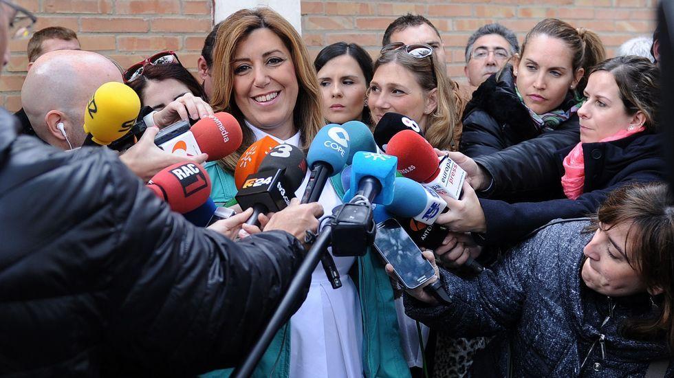 La jornada electoral en Andalucía, en fotos.Miembros de la mesa electoral en Ronda.