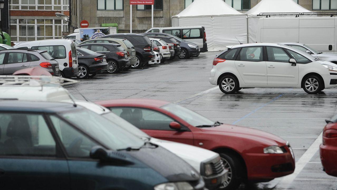Así ha castigado el temporal a Ourense.Carratera hundida en Riós, en la provincia de Ourense