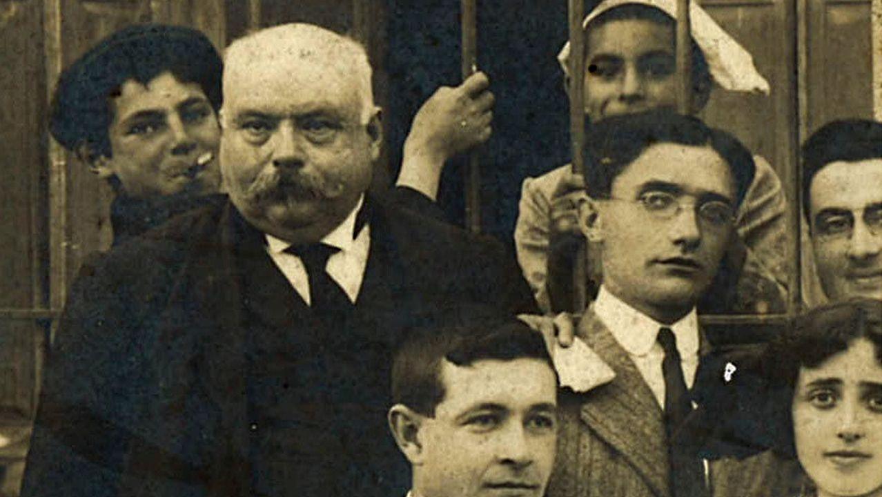 Laureano Salgado, promotor de la electrificación en Galicia, con Castelao en 1911 en Caldas de Reis