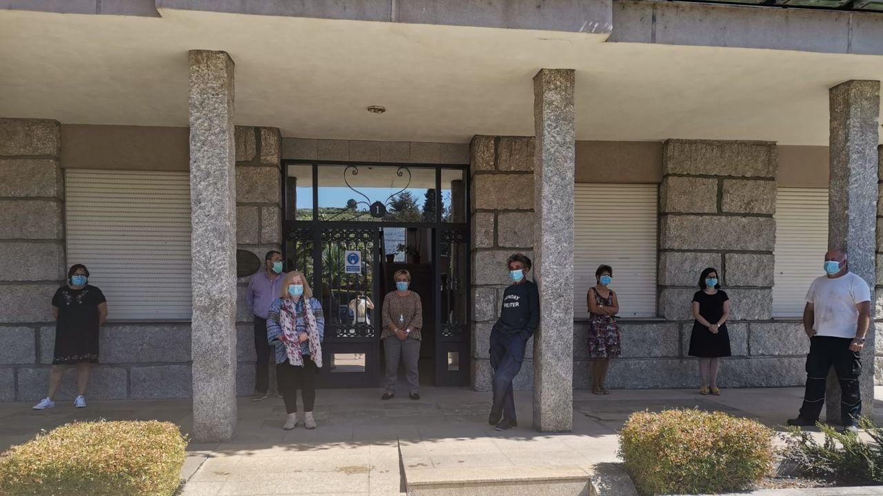 En la Casa do Concello de Petín se sumaron al reconocimento a los fallecidos