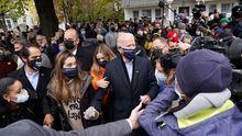 Joe Biden visitó este martes, junto a sus dos nietas, su casa natal en Scranton (Pensilvania)