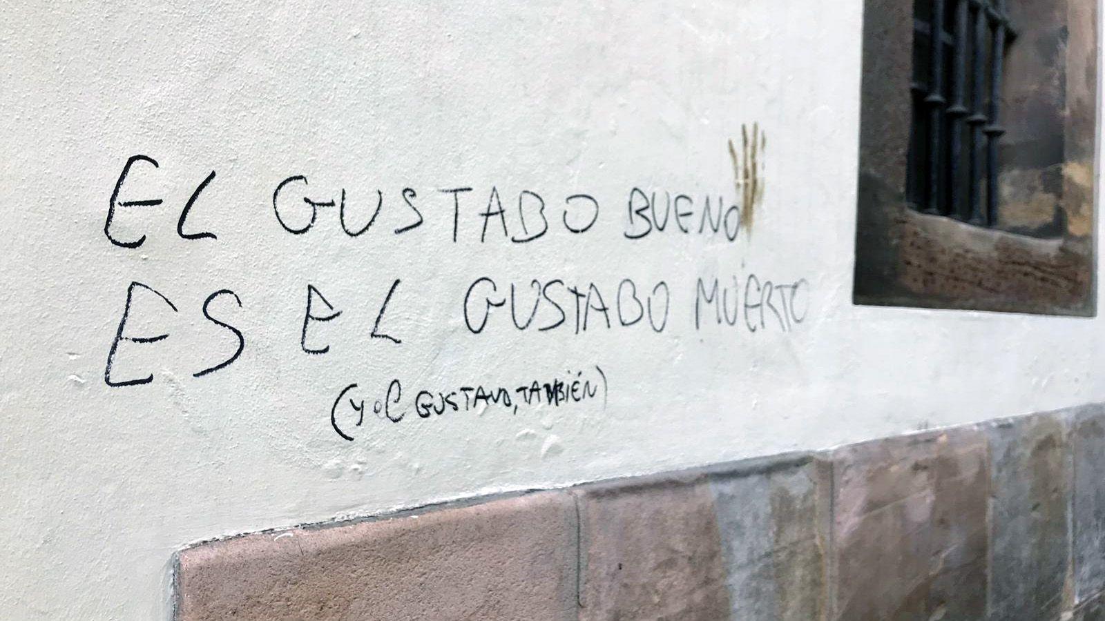 Corrección en la pintada contra Gustavo Bueno