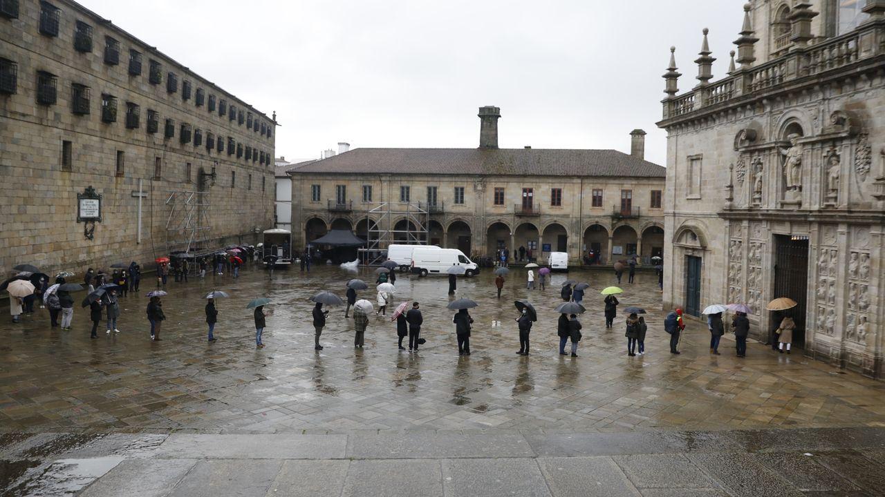 Colas para entrar por la Puerta Santa en Santiago.Colas en Santiago el 1 de enero para entrar a la catedral por la Puerta Santa