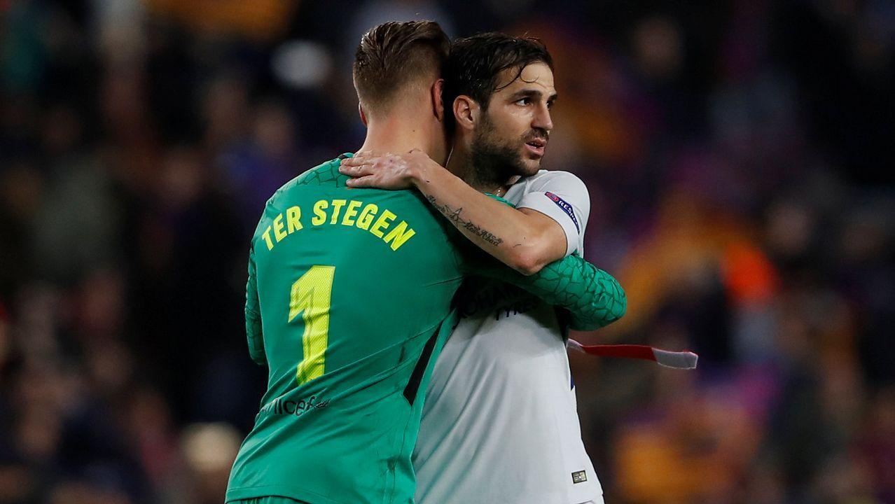 Andre Gomes celebra el tercer gol del Barça junto a Messi